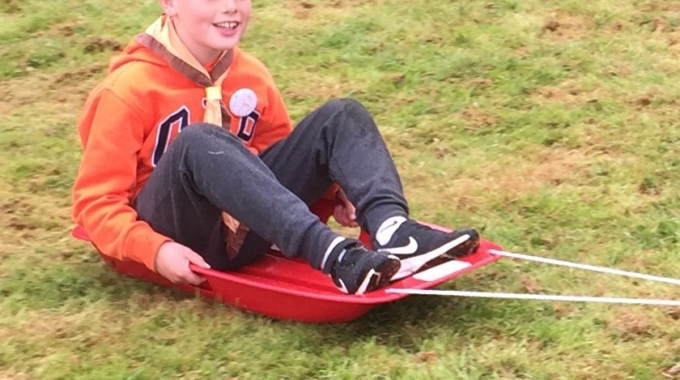 Cub camp: knots and sledges